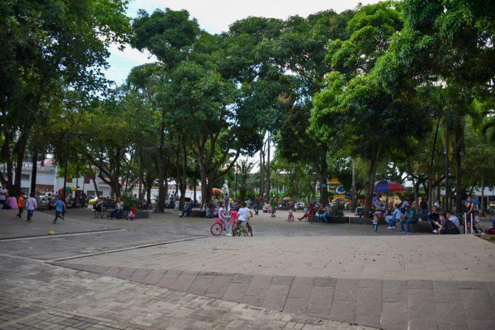 Alcaldía no permitirá preparación de comidas en el parque central Simón Bolívar. - Noticias de Colombia
